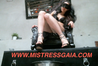 Mistress Gaia poops from her throne